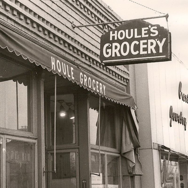 Historical image of Houle's Grocery